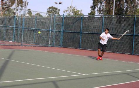 Tennis team ends season with no coach, no matches