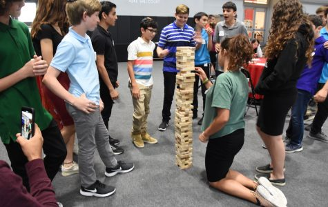 Learning values and flinging chickens, 65 freshmen become oriented to Shalhevet
