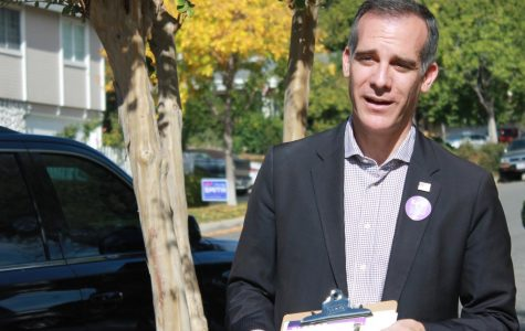EXCLUSIVE: Mayor Garcetti tells LA Jewish teens to build bridges to other groups in wake of Pittsburgh tragedy