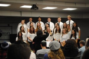 An evening of song and Chanukah cheer