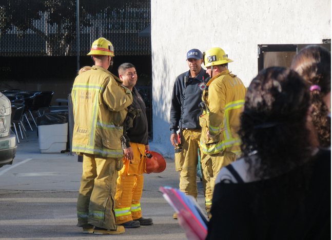 QUESTIONS%3A+As+students+watched%2C+members+of+the+Los+Angeles+Fire+Department+conferred+outside+the+Annex+Thursday+morning%2C+Oct.+31.++No+cause+for+the+alarm+had+been+found+as+of+Thursday+afternoon.