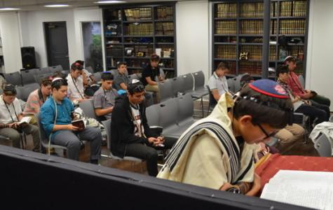 New Hashkama Minyan offers prayers at sunrise — and free time after 1st period