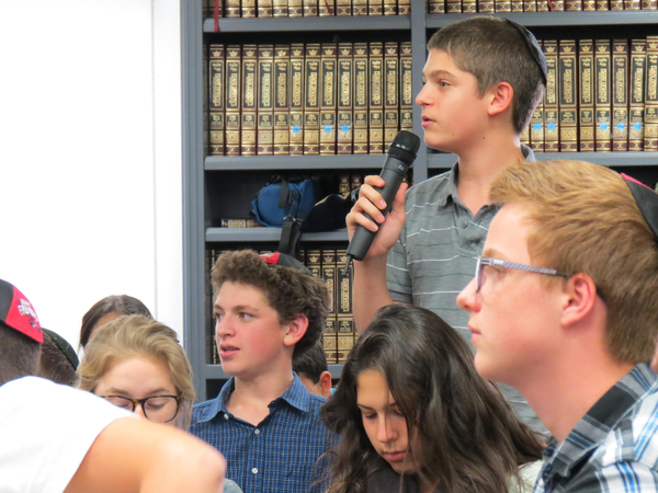 CONTROVERSY: Freshman Zev Kent expresses opinion at Town Hall Oct. 31.