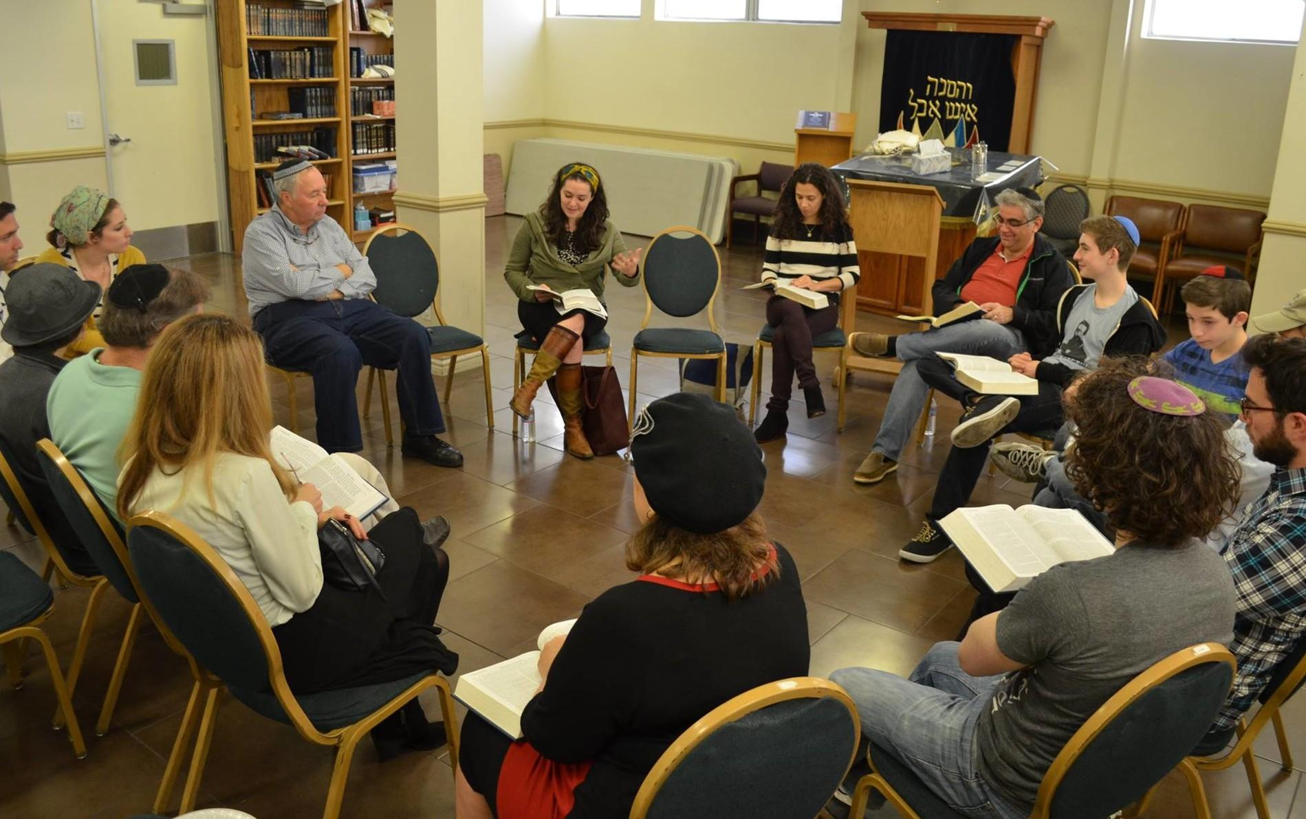 LEARNING: Judaic Studies teacher Mrs. Ruthie Skaist gave a workshop at Beth Jacob Congregation Nov. 16. Bnai David-Judeas kehilla intern Alissa Thomas-Newborn was not allowed to speak there.