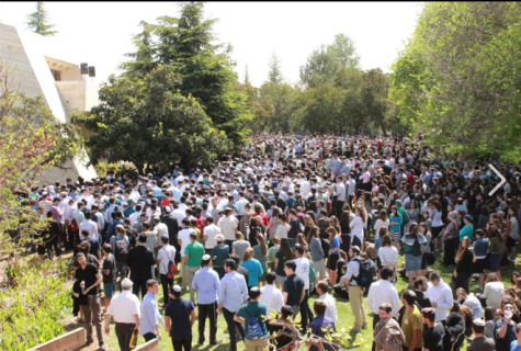 Mourners at the funeral of HaRav Aharon Lichtenstein April 21 in Gush Etzion