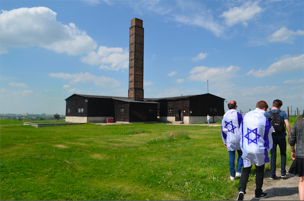 SMOKESTACK%3A+Clearly+visible+from+the+surrounding+city+of+Lublin%2C+the++chimney+at+Majdanek+jutted+into+a+blue+sky+in+a+scene+of+unsettling+beauty+as+seniors+on+the+Poland-Israel+trip+approached.