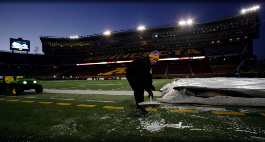 GET+READY%3A+Workers+prepared+TFC+Bank+Stadium++in+Minneapolis+for+wild+card+game+between+Minnesota+Vikings+and+Seattle+Seahawks+Jan.10.