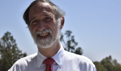 EARLY: Rabbi Abraham Lieberman held a daily Talmud shiur this year that met at 7 a.m.