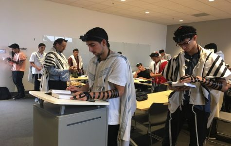 Sephardic minyan returns after four year hiatus