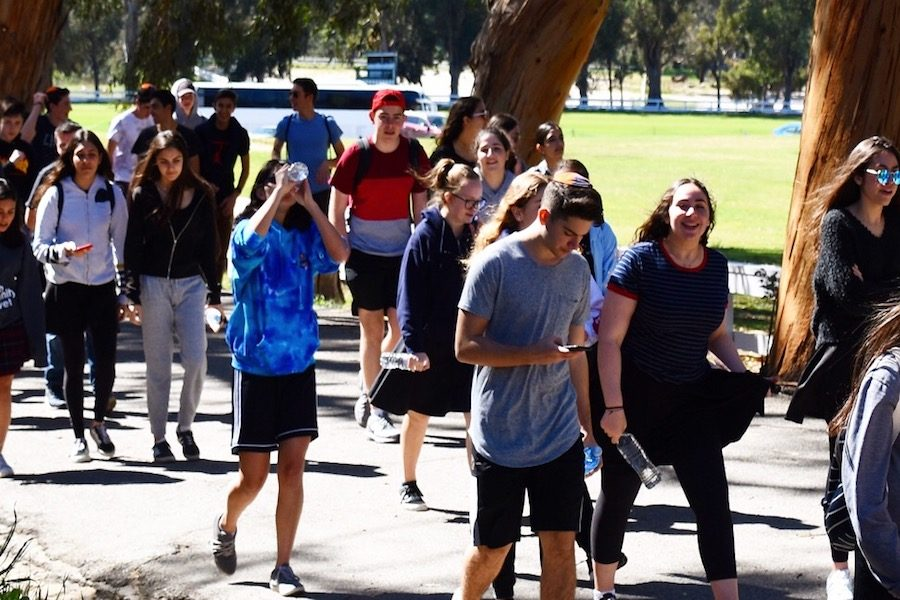 Sophomores trek to Palisades to hike and bond