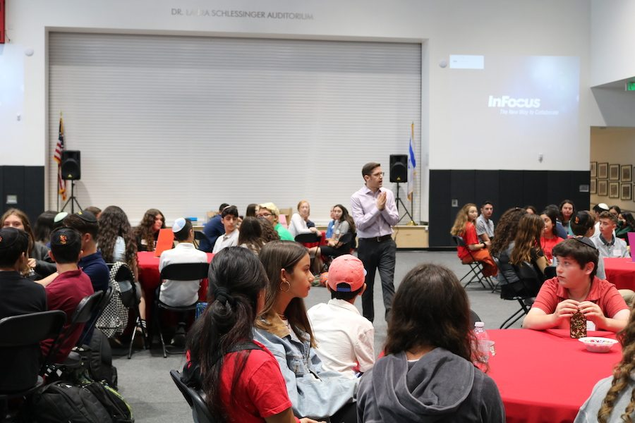 INTRODUCE:  Rabbi Block was one of many speakers at the freshman orientation who worked to acclimate the freshmen into the Shalhevet culture.  BP photo by Zoey Botnick