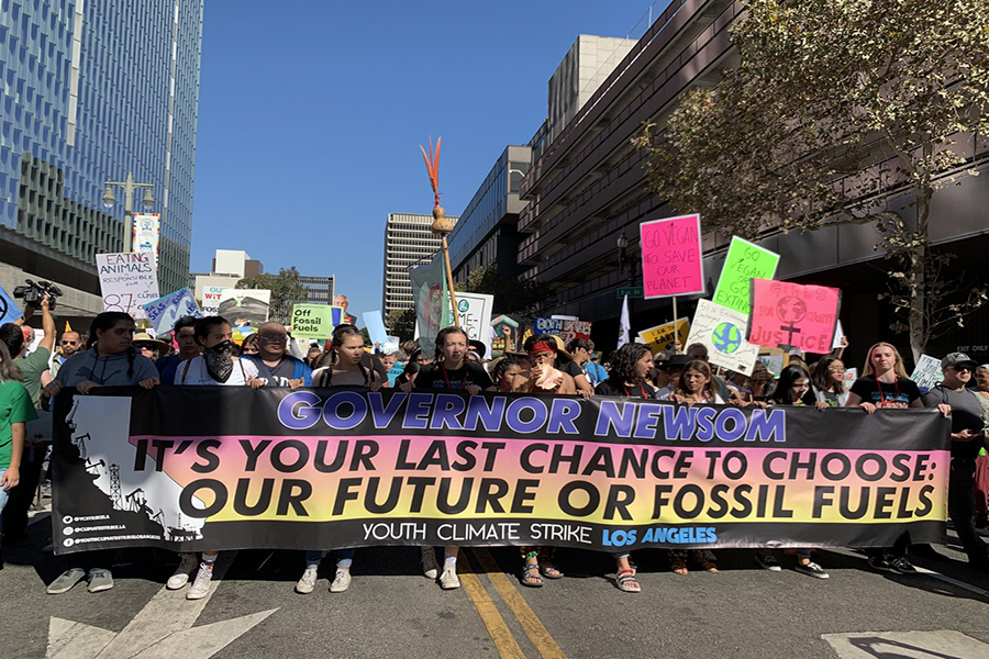 INTERNATIONAL%3AYouth+protestors+crowded+downtown+Los+Angeles+Nov.+1+to+pressure+Gov.+Gavin+Newsom+for+more+action+against+climate+change.