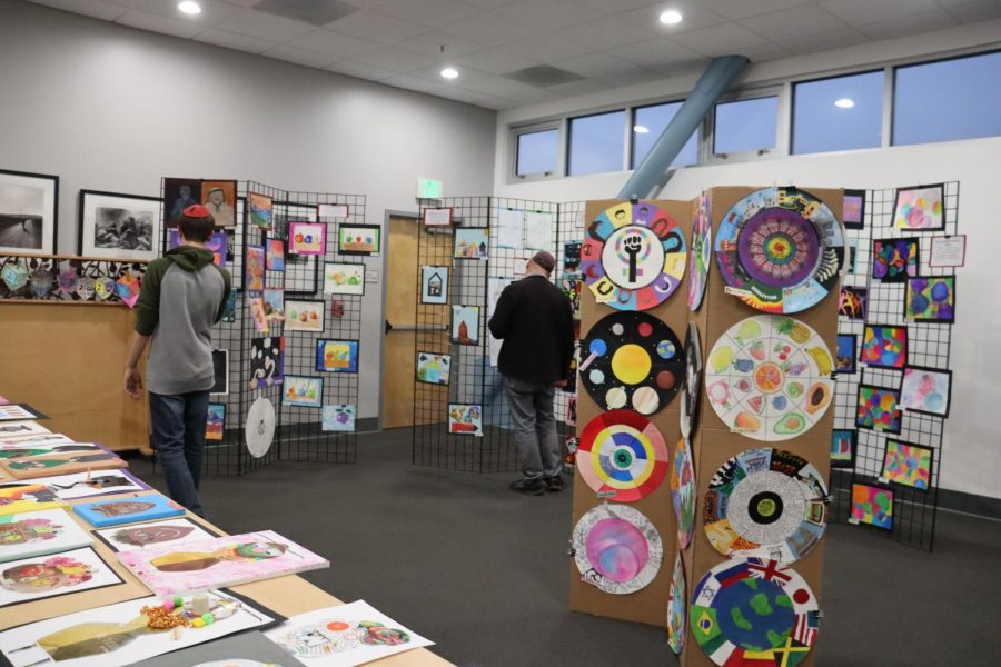 Crossover event brings art fans to concert and music fans to student art show