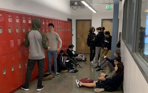 CROWDED: Students locked out of classrooms filled hallways during lunch Feb. 28.  Complaints included no place to sit and difficulty concentrating and socializing due to a high noise level in the halls.