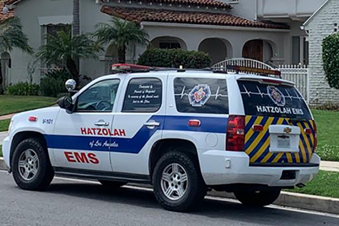 SPREAD: A van belonging to Hatzolah, whose volunteers provide emergency response in Beverlywood, Hancock Park and other Jewish neighborhoods,  was parked on Alta Vista Boulevard yesterday.  The group said local Covid-19 patients had interacted widely before being diagnosed.