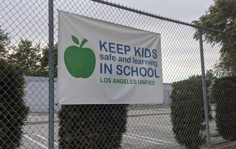 Shalhevet to delay decision on reopening in-person school until after Pesach, Rabbi Segal says