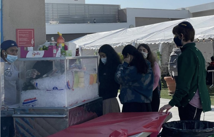 TREATS: On Monday and Wednesday, the first two days of two grades on campus, there was a free fruit cart on the roof and an ice cream truck in the parking lot.