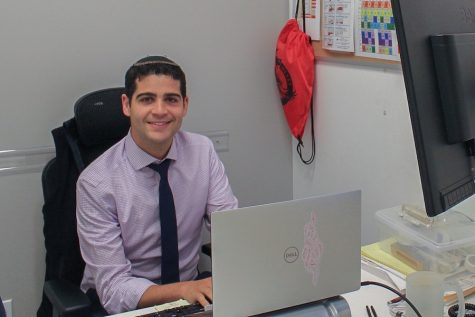 Nachum Joel, administrator who taught hands-on Economics, moves to Yavneh Academy
